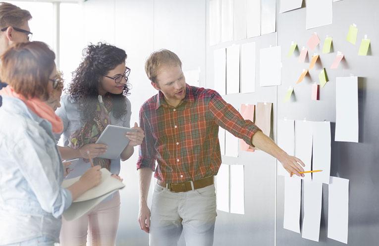 ۸ اشتباه رایج در مدیریت پروژه؛ چگونه از این اشتباهات اجتناب کنیم؟